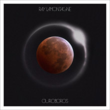 "Grammyvinnaren Ray LaMontagne släpper sitt sjätte studioalbum ""Ouroboros"""