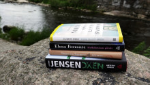 Tämän kesän trendi on feel good -kirjallisuus – suomalaiset ahmivat kesällä onnellisia tarinoita, myös parisuhdeoppaat myyvät