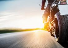 Kokemattomuus näkyy moottoripyörävahingoissa – keväällä kokenutkin kuski kaipaa treenausta