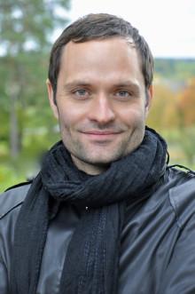 """""""Det här är som en dröm för mig"""" - Lindy Larsson får Såstaholms pris till Höstsols minne 2011"""