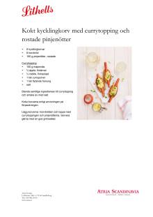 Kokt kycklingkorv med currytopping och rostade pinjenötter