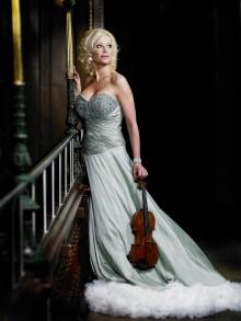Loa Falkman, Linda Lampenius och 33 konsertmusiker intar scenen på Viking Cinderella