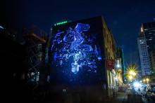 Jyväskylään maalataan Suomen ensimmäinen päivisin ja öisin eri tavoin näyttäytyvä muraali