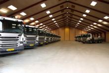 Kviklevering af 15 nye Scania med lad og kran