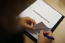 Azubi-Start: Versicherungsschutz nicht vergessen