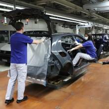 Volkswagen stöder sina 40 000 leverantörer med instruktioner för skyddsåtgärder i produktionen