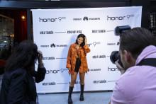 Sprakande fest när Huawei lanserar Honor 9