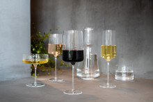 Capri -  en elegant nyhet fra Hadeland Glassverk med stramme linjer og løvtynt glass