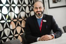 Clockwork stories: Från Irak till drömjobbet på Migrationsverket