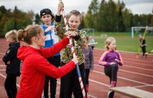 Nestlé For Healthier Kids -kerhot tuovat yleisurheilua kouluihin eri puolilla Suomea