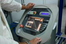AkzoNobel bietet nun mit dem Pevicoat Paint Management System schnellen Vor-Ort-Service