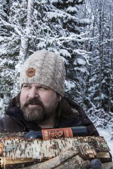 Med smak av skoterbränsle och fleece - laga Jonas Crambys Björnhamburgare