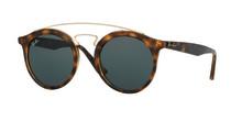 Modigare design och starka färger – Synoptiks glasögonstylist tipsar om vårens och sommarens trender