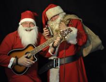 Tomteduo roar med nyskrivet julspel