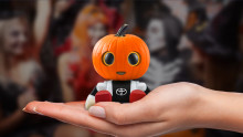Bus eller godis med sällskapsroboten Kirobo Mini