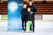 HOLIDAY ON ICE ACADEMY: Berliner Nachwuchstalent trainiert mit den Idolen Aljona Savchenko und Bruno Massot