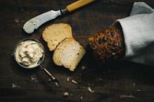 Ruskistettu voi on nyt trendiherkku – vaahdotettuna se kruunaa leivän maun
