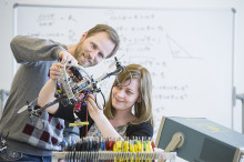 Pressinbjudan - Utdelning av ABB:s Robotikstipendium vid Mälardalens högskola