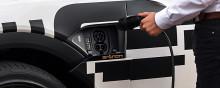 Hager Group och AUDI i samarbetar kring hemmanätverk för billaddning