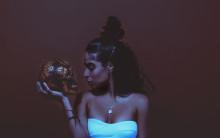 Smerteligt smukke popsange fra Jessie Reyez
