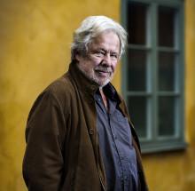 Sven Wollter signerar sin romandebut hos Akademibokhandeln i Nordstan imorgon lördag 12/3
