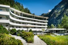 ENTSPANNT GENIESSEN. DAS 7132 HOTEL IN VALS BIETET AB SOFORT FULLBOARD PACKAGES