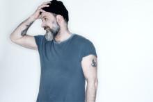 Sonens elektroniska ljudbild dominerar på Toni Holgerssons nya album