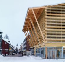 Nordens första p-hus i trä väcker internationellt intresse