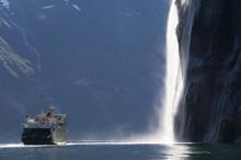 Utvikling av en alt-i-ett-reiseapp i Norge