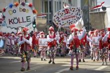 Wohin mit dem Resturlaub? Kurz-Trips zur Berlinale, zum Karneval in Köln und in die Münchner Oper