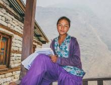 Minoritetsflickor i Nepal utnyttjas som arbetskraft