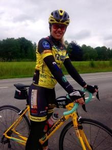 Josefin Lilja från Helsingborg cyklar 120 mil för cancerforskningen – supportas av arbetsgivaren Hornbach