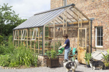 Engelska växthus i cederträ, massor av nya bilder och modeller