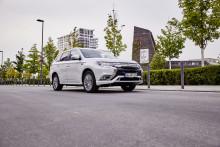 Taxi des Jahres 2019:  Doppelsieg für Outlander Plug-in Hybrid