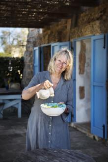 Ronneby bibliotek presenterar -Sanna Töringe. Hör henne berätta om sitt kök och trädgård i södra Italien!