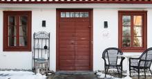 TV- profil och kokboksförfattare säljer nu gård. Tomarps Gårdshotell till Salu