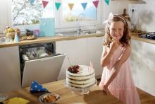 Kumpi on tehokkaampaa: astioiden peseminen käsin vaiko astianpesukoneella?