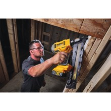 DEWALT® Announces 21° Plastic Collated Cordless Framing Nailer
