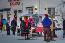 Genuin kultur  lockar internationella besökare till Jokkmokks julmarknad