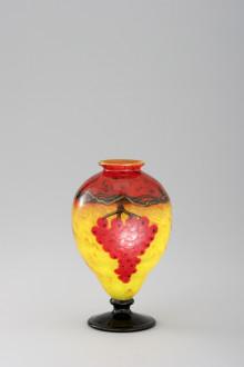 Charles Schneider – färgens magi i franskt Art Déco-glas