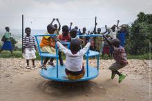 Samarbete mellan UNICEF och H&M Conscious Foundation når 45 000 små barn