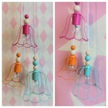 Skapa egna färgglada och lekfulla lampor av loppisfynd