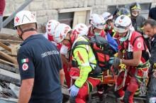 Kamp mot klockan i jordbävningsdrabbade Italien