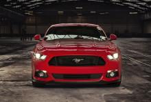 Nye Mustang når 0-100 km/t på under 5 sekunder; europeere har allerede bestilt 2.200 av Fords raskeste produksjonsmodell