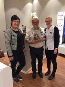 Synoptik öppnade butik i Kalmar – invigde glasögoninsamling och föreläste för skolelever om synhälsan i tredje världen