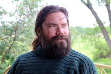 Nathaniel Farrell først ut i amerikansk gjendiktingsserie