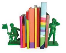 Legetøjssoldater som bogstøtte