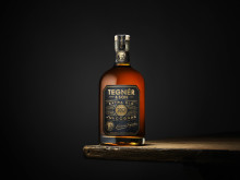 Tegnér & Son förfinar traditionen i ny Julcognac