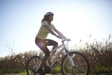 Rulla våren till mötes: Decathlons cykelkatalog är här