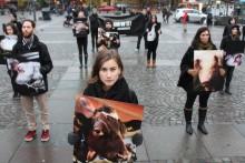 Manifestation visar upp djuren i livsmedelsindustrin